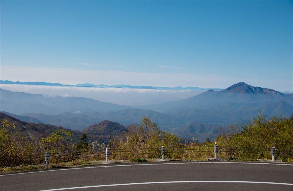 雲上を走る神秘的ドライブを体験!