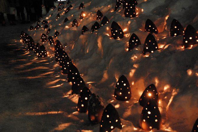雪景色に灯る会津絵ろうそく祭り2015