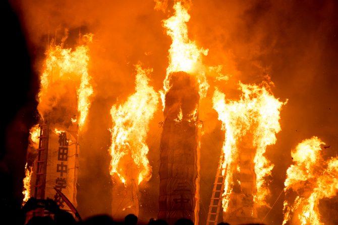 日本国内で最も熱くなる炎の祭典!日本三大火祭り「須賀川 松明あかし」