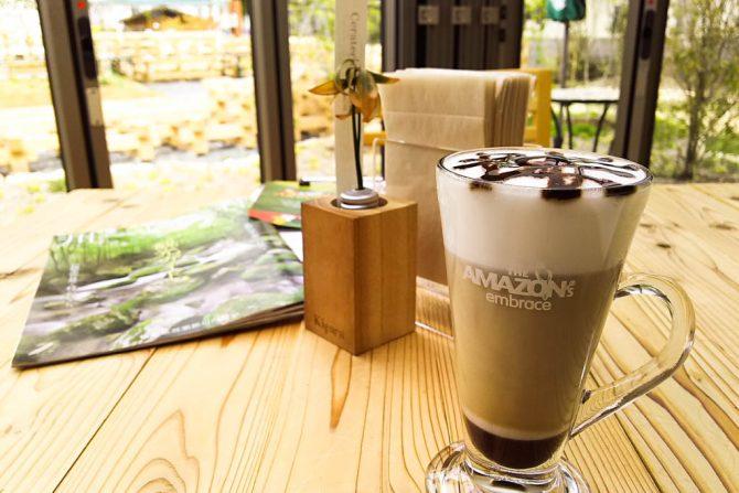 人口2700人ほどの小さな村にタイの人気カフェ「Cafe Amazon」が日本初上陸!