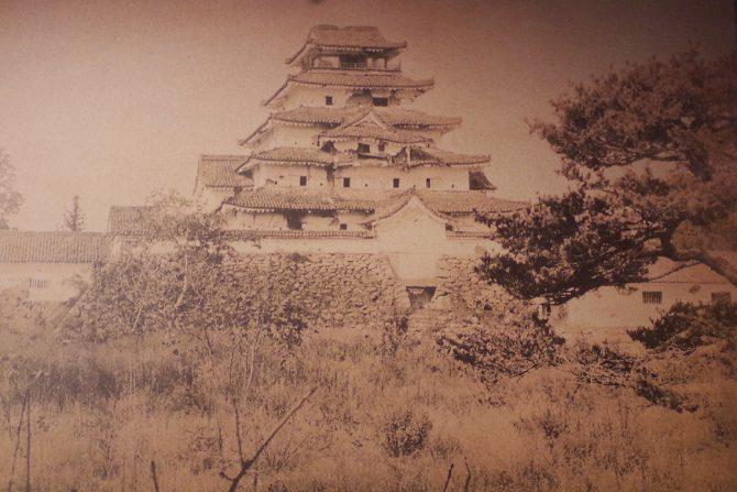 ガイドさんが勧める会津若松城(鶴ヶ城)の見どころと四季折々の季節イベントを紹介