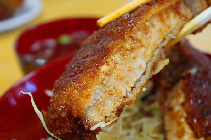 ライダーがこよなく愛するデカ盛り、会津名物ソースカツ丼の有名店「十文字屋」