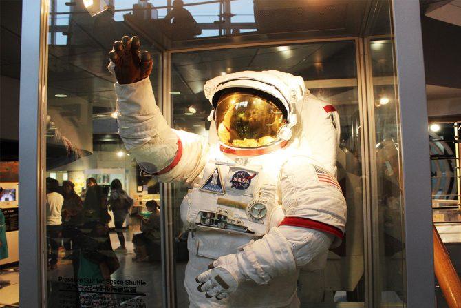 宇宙の世界を体験できる『スペースパーク』で宇宙飛行士の訓練を受けてみた!
