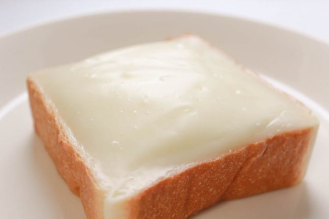 練乳好きが歓喜する!ご当地パン、クリームボックスの元祖「ロミオ」