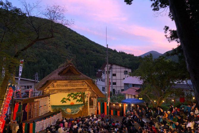 """会津の奥地で270年前から受け継がれる""""村人だけ""""で運営する舞台「檜枝岐歌舞伎」"""