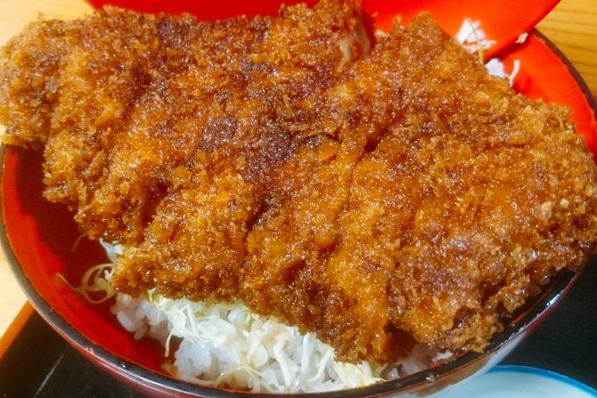 台風による浸水被害から見事復活! 本宮市にあるソースカツ丼の名店「柏屋食堂」