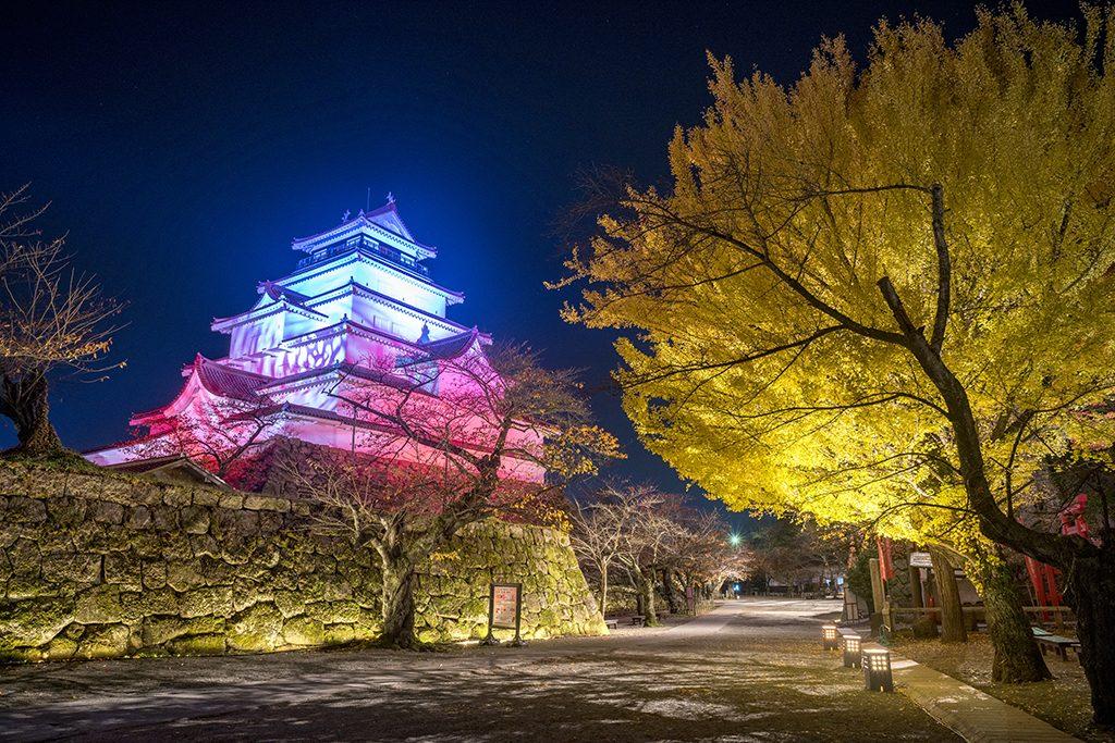 鶴ヶ城 夜間ライトアップ