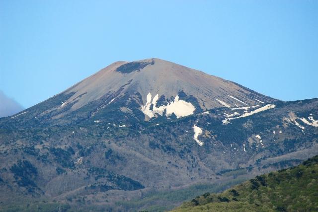 吾妻山の雪うさぎ