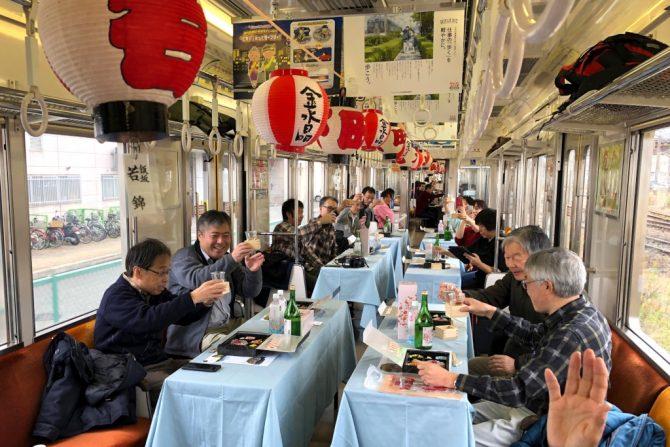 【金水晶ツアー完結編】飯坂線を走る貸切列車で、田植えした酒米からできたお酒を堪能!