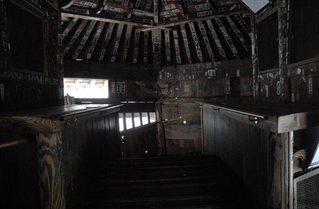 さざえ堂最上階2